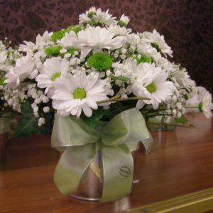 dekoracija stolova za goste