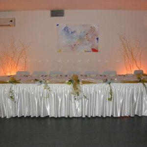 dekoracija stolova za goste primjer br. 1