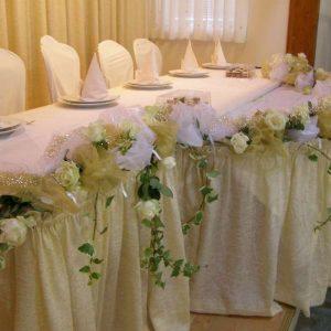 dekoracija stola za mladence primjer br.3