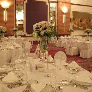 dekoracija stolova za goste primjer